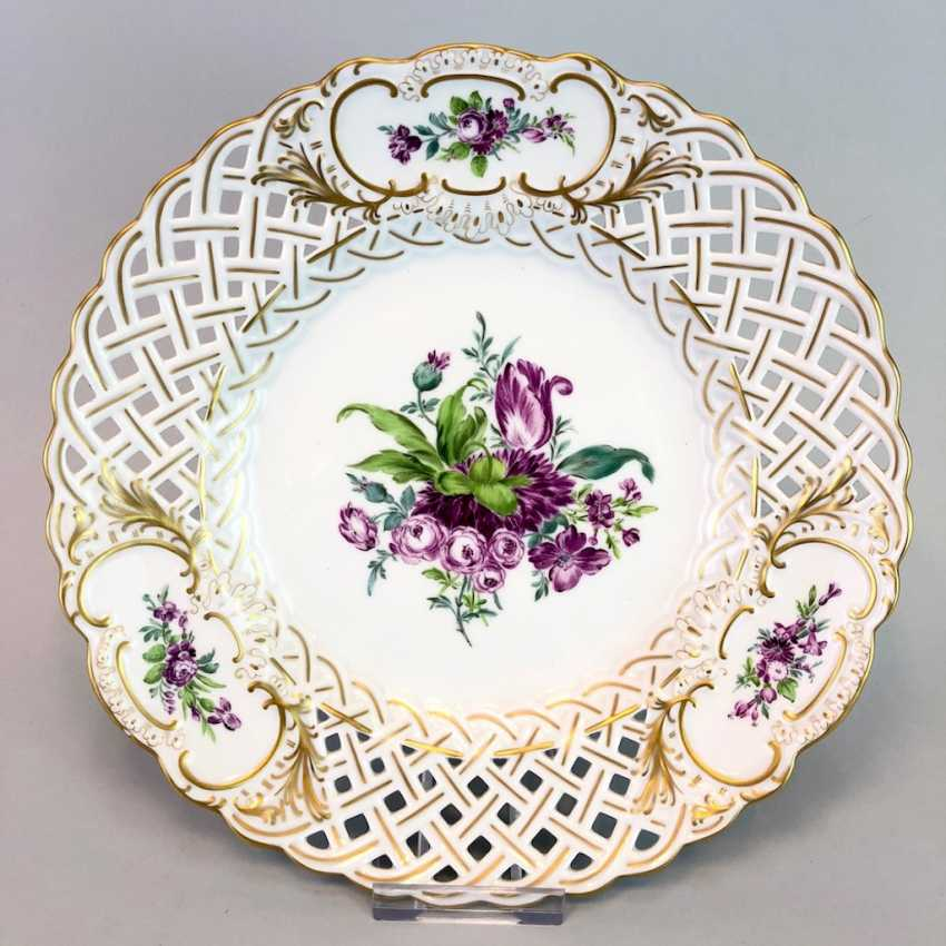 Breakthrough Dish: Meissen Porcelain. Flower Bouquett, Gold. - photo 1