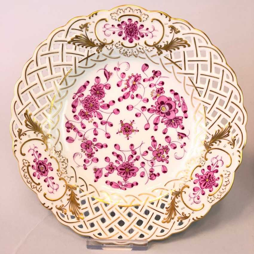 Six Breakthrough Dish: Meissen Porcelain. Indian purple painting rich with Gold. - photo 2