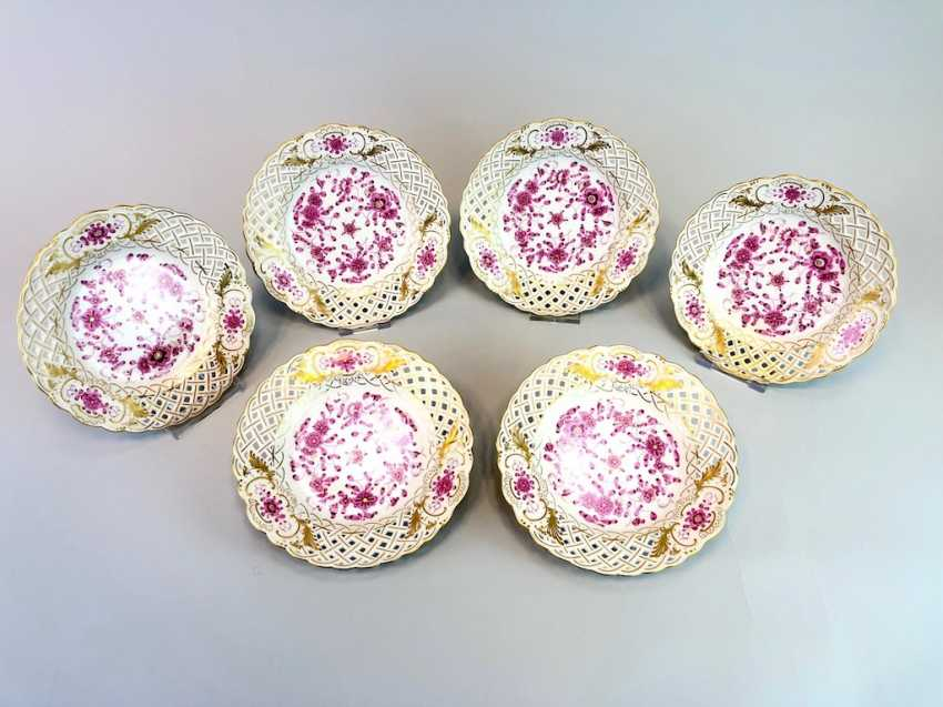 Six Breakthrough Dish: Meissen Porcelain. Indian purple painting rich with Gold. - photo 3