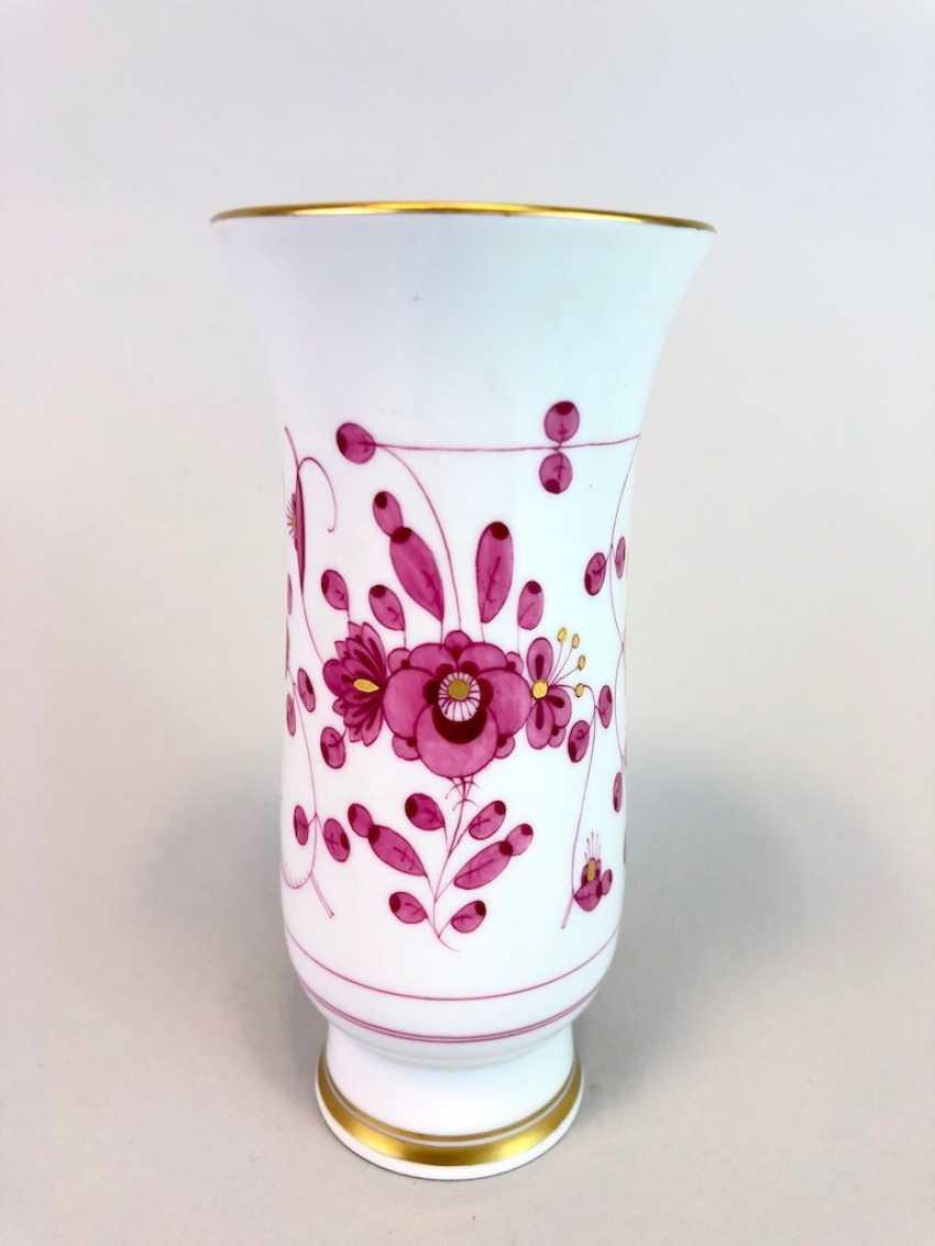 Vase / Rod-Vase: Meissen Porcelain. Indian purple painting rich with Gold. - photo 2