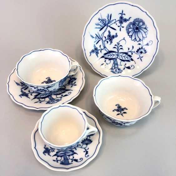 Two teacups: Meissen porcelain onion pattern mocha Cup. - photo 2