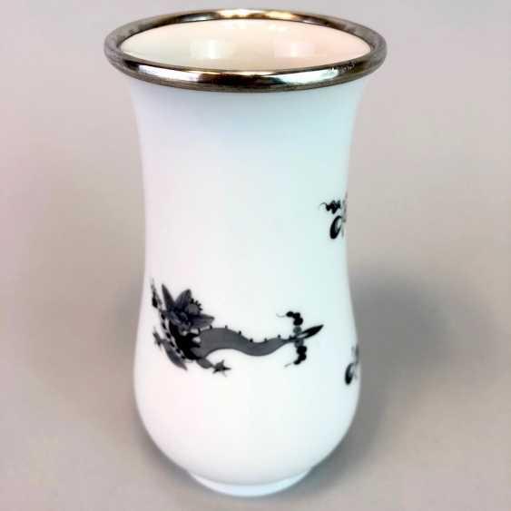 Vase / Rod-Vase: Meissen Porcelain. Dresdner Hofdrache in grey. Silver gear. - photo 3