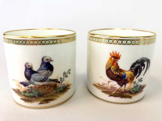 Four neo-classical cups: KPM Berlin. Decor, Chickens, Poultry, Pigeons. Very rare, very good. - photo 4