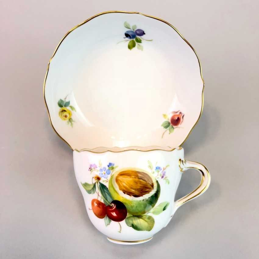 Mocha Cup: Meissen Porcelain. Decorative fruit and fruit painting. The gold edge. very good. - photo 2