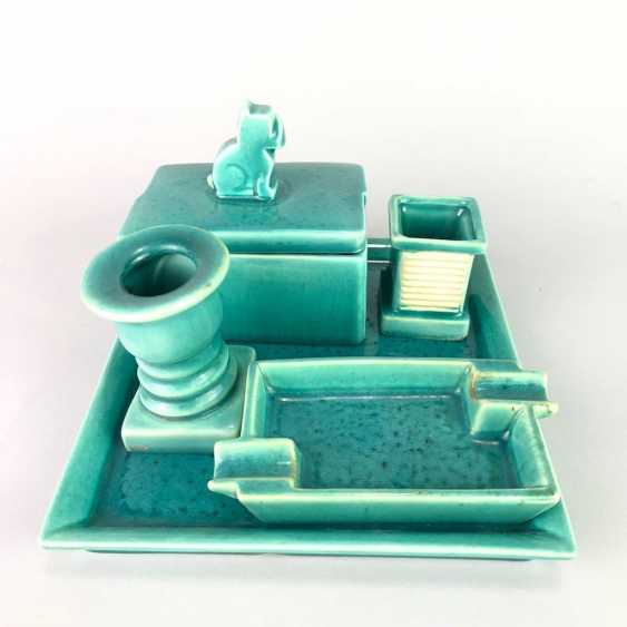 "Rauchset: ""Goebel / Oeslau"". Ash tray, cigarette box with lid, match holder, candle holder, tray. 1935. - photo 3"