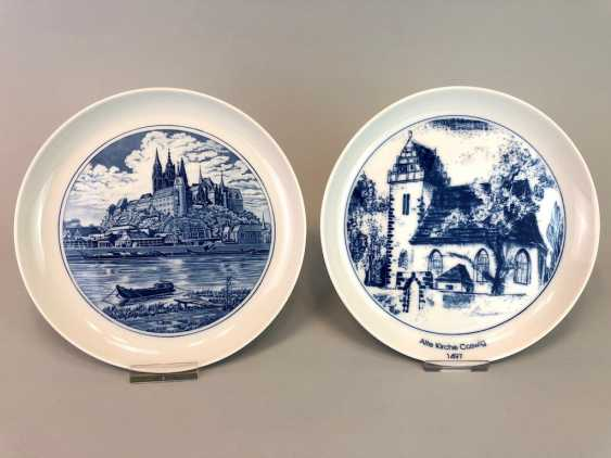 Two ornamental plates / wall plates: Meissen porcelain, view of Meissen, and view Coswig, in cobalt blue, very well. - photo 1