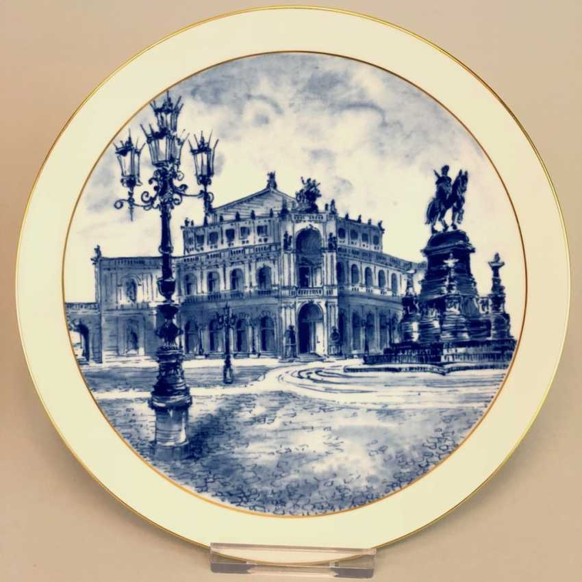 Two ornamental plates / wall plates: Meissen porcelain, view to Semper Opera in Dresden and the view of the Old stock exchange in Leipzig. Cobalt blue. - photo 2