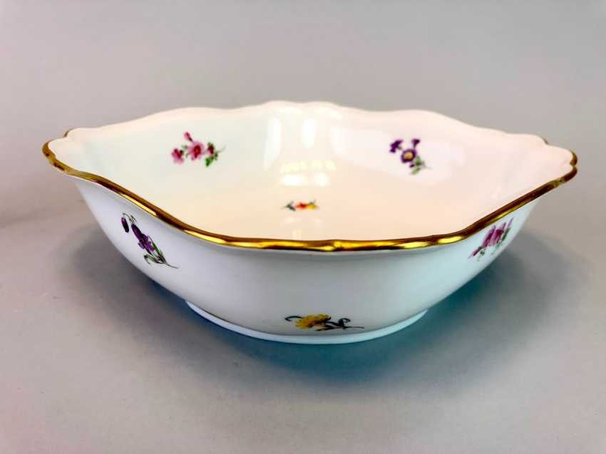Carrée Cup, Meissen Porcelain. Pfeiffer time, scattered flowers, Gold, very good. - photo 2
