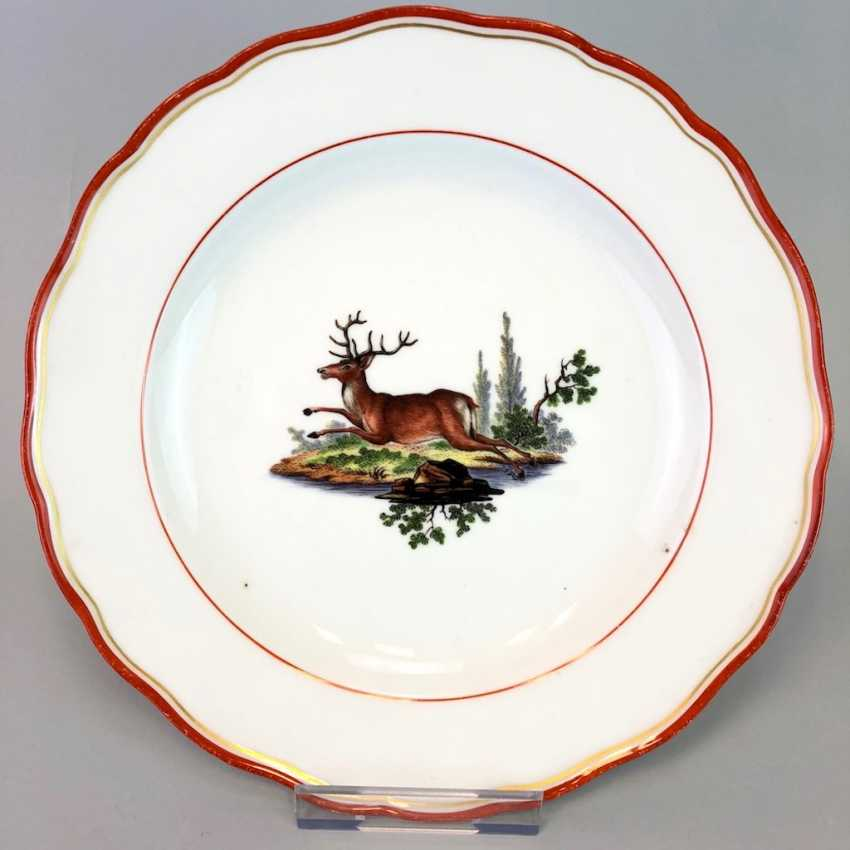 Hunting dish: Meissen porcelain, coral red and Gold, as well as hunting the subject. Around 1860, very good. - photo 1