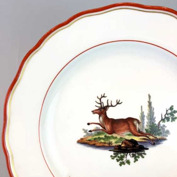Hunting dish: Meissen porcelain, coral red and Gold, as well as hunting the subject. Around 1860, very good. - photo 2