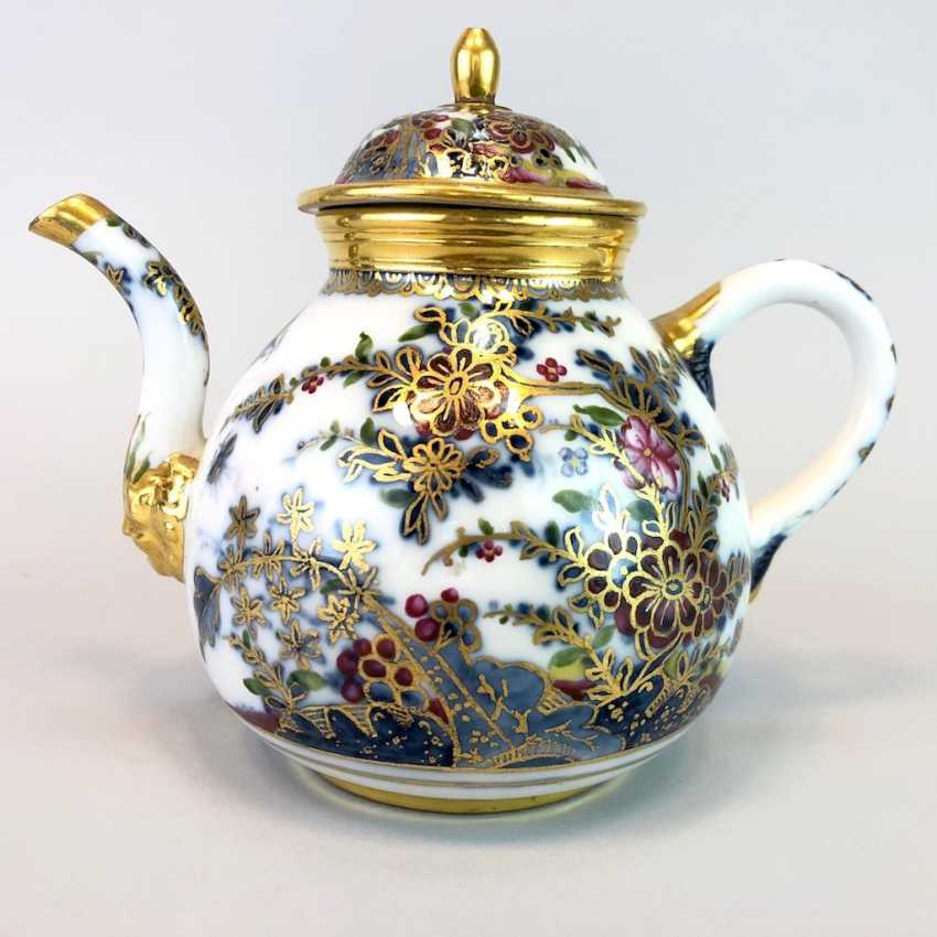 Highly significant and Museum-like teapot with mask spout: Meissen porcelain in about 1725. - photo 1