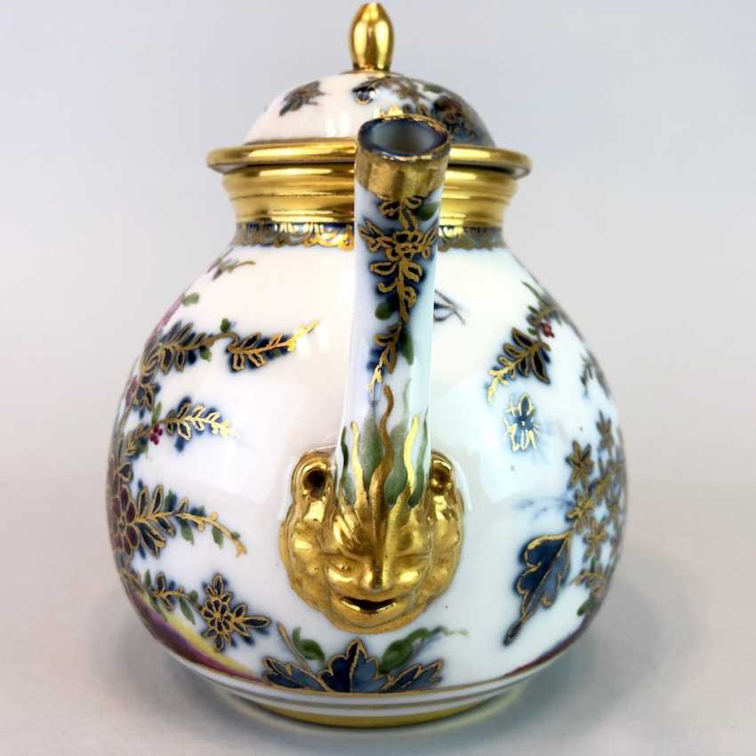 Highly significant and Museum-like teapot with mask spout: Meissen porcelain in about 1725. - photo 2