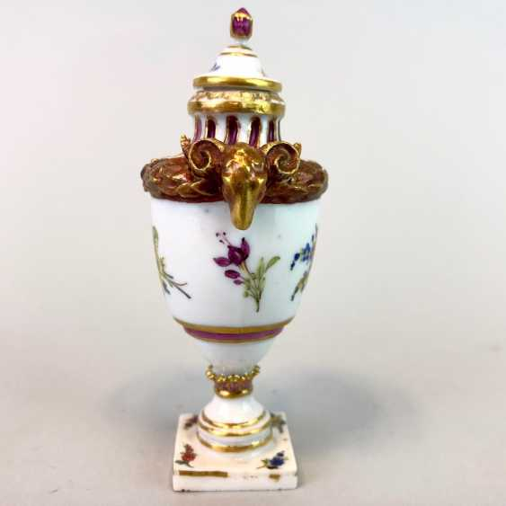 Victor Acier for Chur Royal Porcellain Fabrique: model vase for the court of Saxony, Marcolini-time, around 1775, rare - photo 5