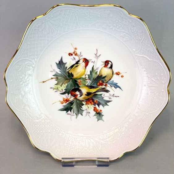 Decorative / Shell: Meissen Porcelain. Decor goldfinches and fruits, Gold, very good. - photo 1