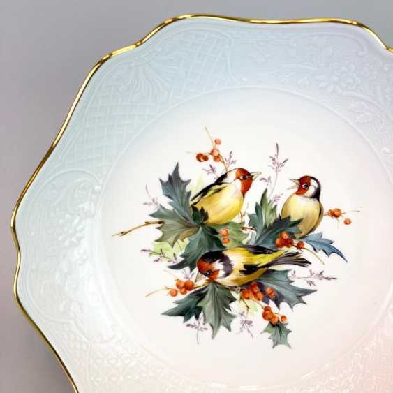Decorative / Shell: Meissen Porcelain. Decor goldfinches and fruits, Gold, very good. - photo 2