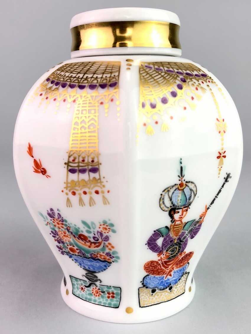 Tea caddy with lid: Meissen porcelain 1001 Arabian nights, gold plated, gold ornaments, Prof. Heinz Werner, very good. - photo 1