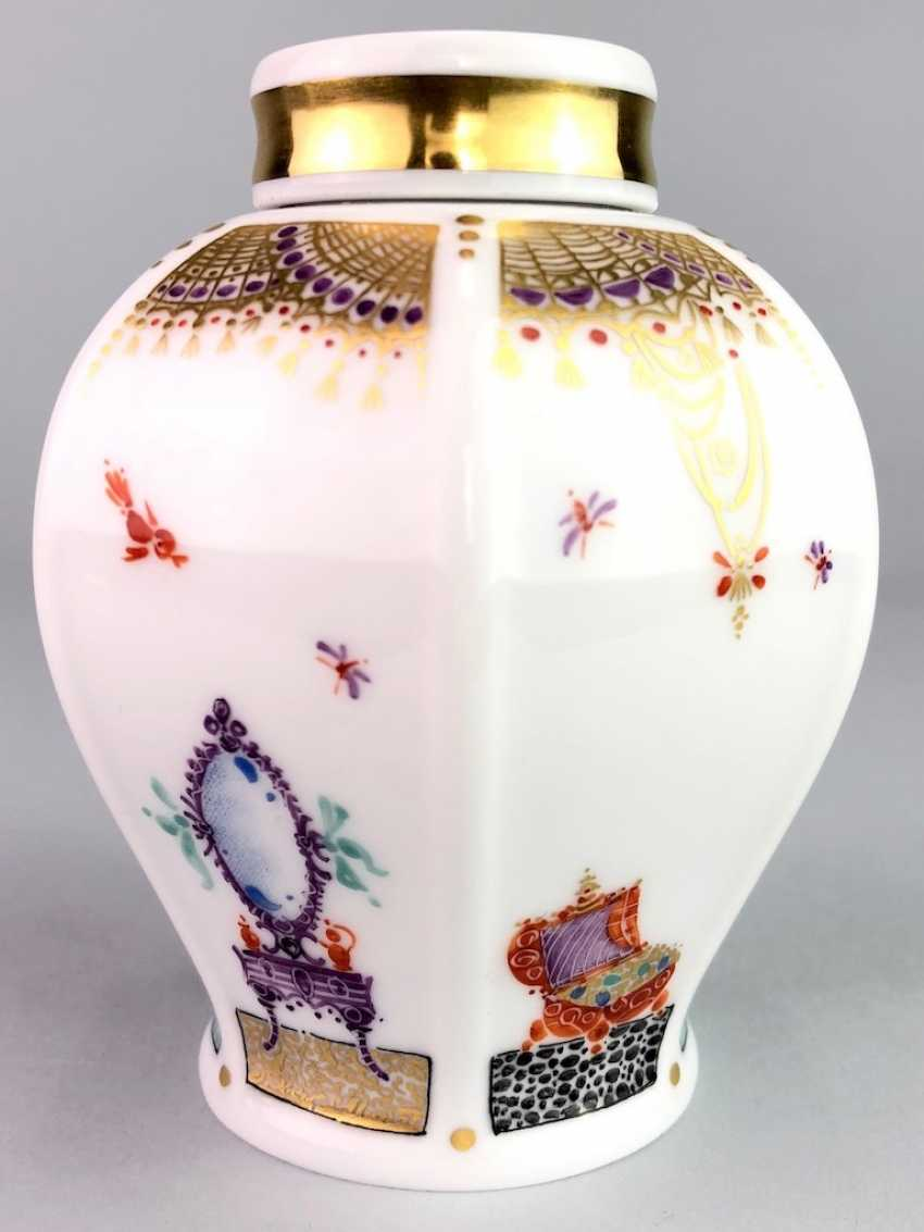 Tea caddy with lid: Meissen porcelain 1001 Arabian nights, gold plated, gold ornaments, Prof. Heinz Werner, very good. - photo 2