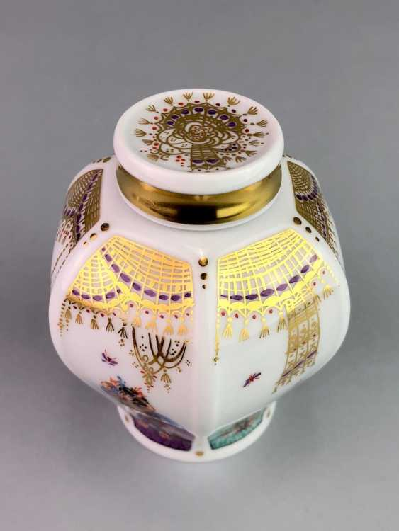 Tea caddy with lid: Meissen porcelain 1001 Arabian nights, gold plated, gold ornaments, Prof. Heinz Werner, very good. - photo 3