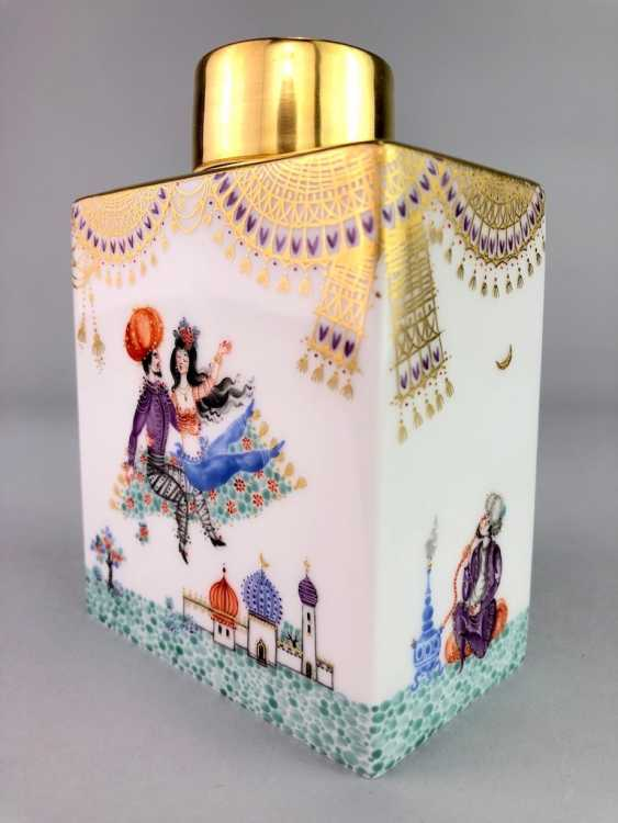 Large rectangular tea caddy with lid: Meissen porcelain 1001 Arabian nights, Gold decorated, Prof. Heinz Werner, very good. - photo 2