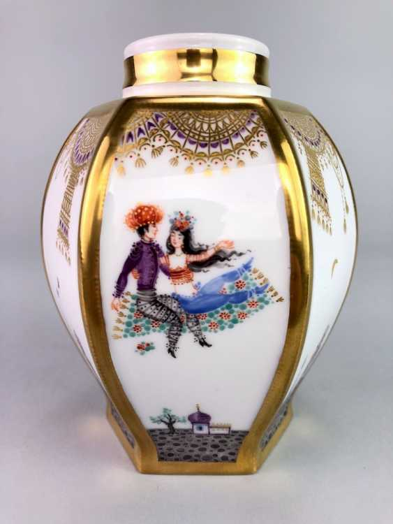 Large six sided tea caddy with lid: Meissen porcelain 1001 Arabian nights, Gold decorated, Prof. Heinz Werner, very good. - photo 3