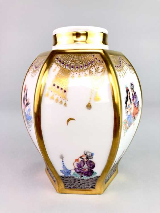 Large six sided tea caddy with lid: Meissen porcelain 1001 Arabian nights, Gold decorated, Prof. Heinz Werner, very good. - photo 4