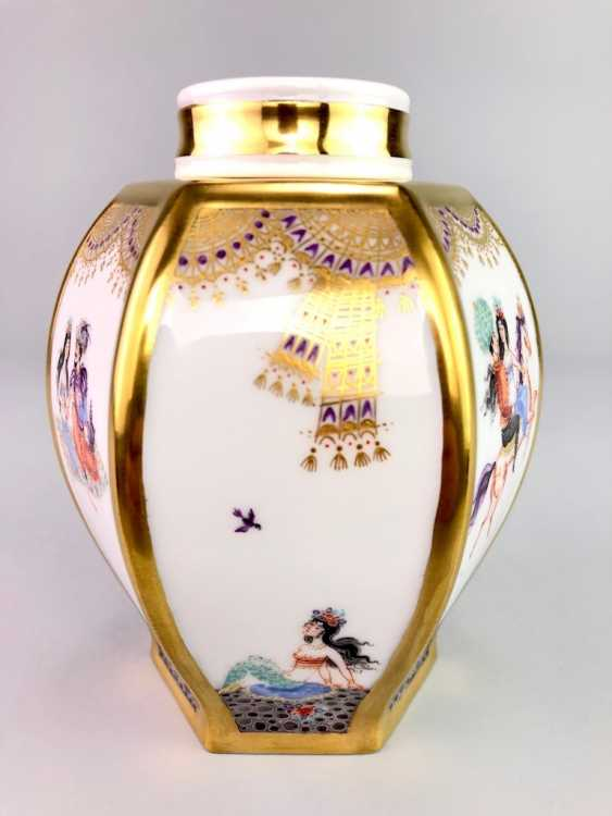 Large six sided tea caddy with lid: Meissen porcelain 1001 Arabian nights, Gold decorated, Prof. Heinz Werner, very good. - photo 6