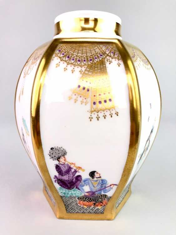 Large six sided tea caddy with lid: Meissen porcelain 1001 Arabian nights, Gold decorated, Prof. Heinz Werner, very good. - photo 5