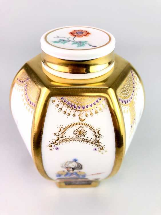 Large six sided tea caddy with lid: Meissen porcelain 1001 Arabian nights, Gold decorated, Prof. Heinz Werner, very good. - photo 7