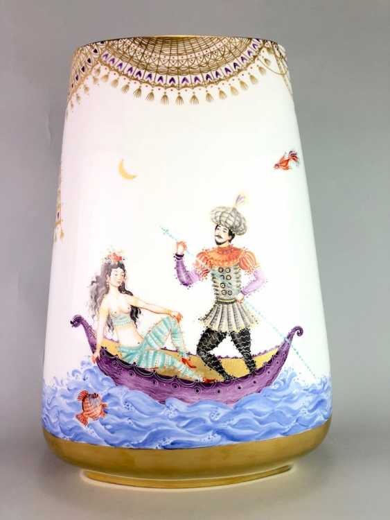 Very large Vase / fireplace vase: Meissen porcelain 1001 Arabian nights, Gold decorated, 46 cm. Prof. Heinz Werner, very good. - photo 1