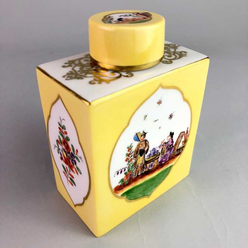 Large caddy: Meissen porcelain, Johann Georg Hörold, Chinoiserien, gold ornaments, very good. - photo 1