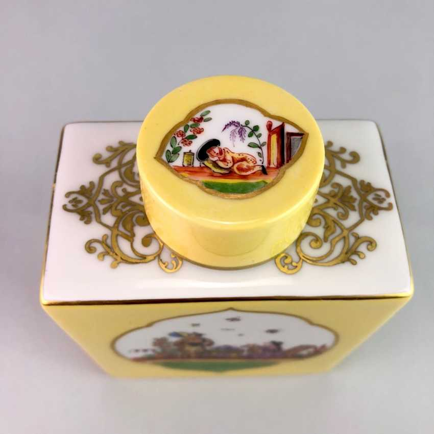 Large caddy: Meissen porcelain, Johann Georg Hörold, Chinoiserien, gold ornaments, very good. - photo 4