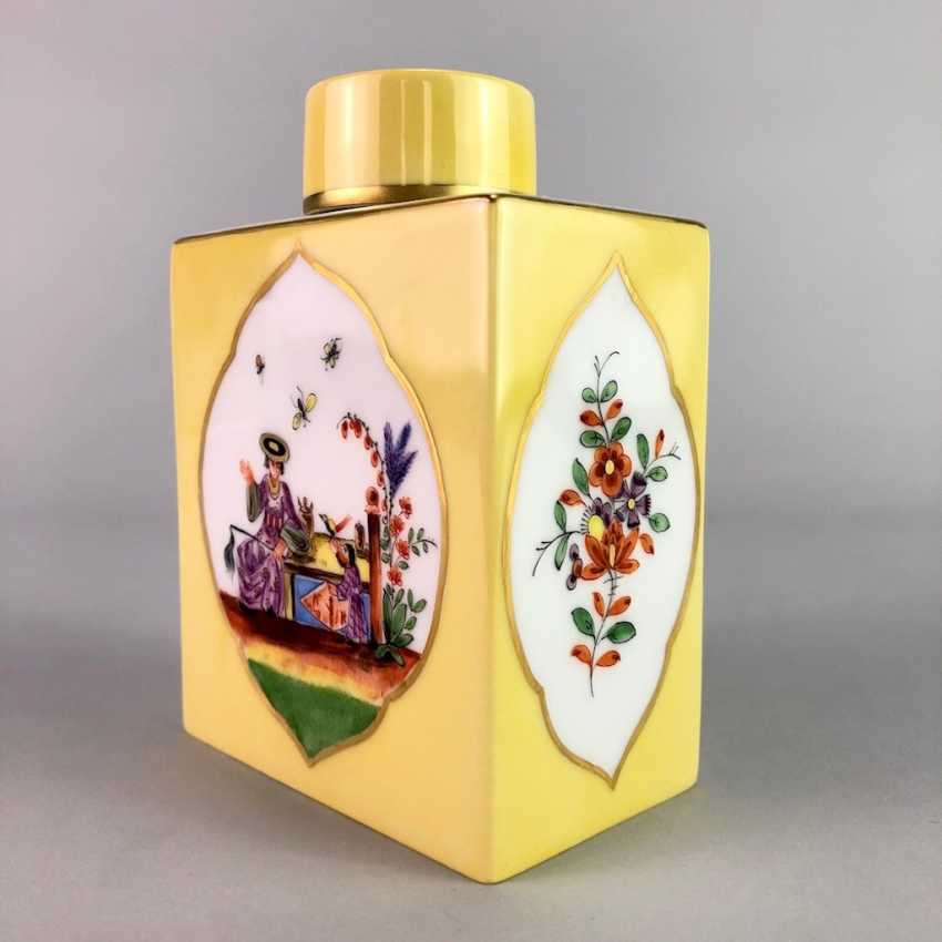 Large caddy: Meissen porcelain, Johann Georg Hörold, Chinoiserien, gold ornaments, very good. - photo 10