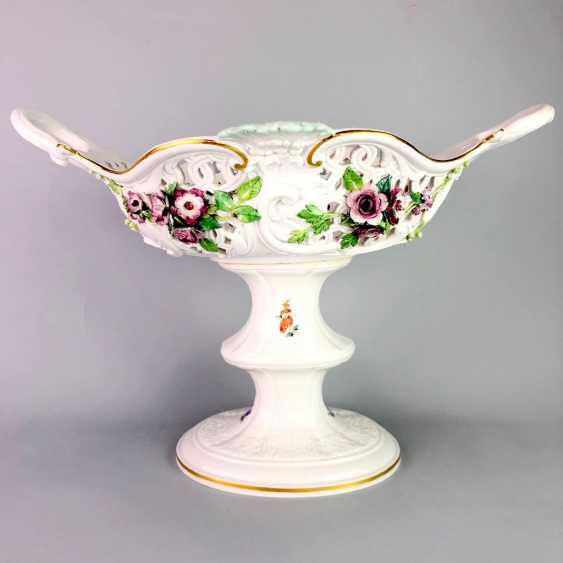 The Magnificent Centrepiece: Meissen Porcelain. Flower decorated, and J. J. Kändler. 1860, very nice. - photo 1