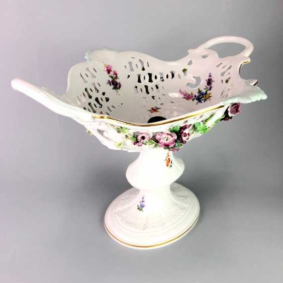 The Magnificent Centrepiece: Meissen Porcelain. Flower decorated, and J. J. Kändler. 1860, very nice. - photo 3