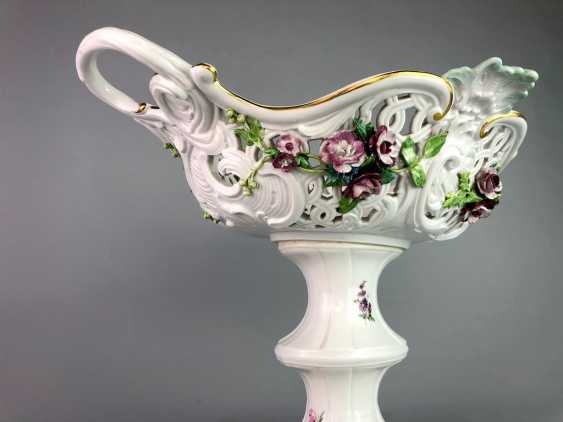 The Magnificent Centrepiece: Meissen Porcelain. Flower decorated, and J. J. Kändler. 1860, very nice. - photo 6