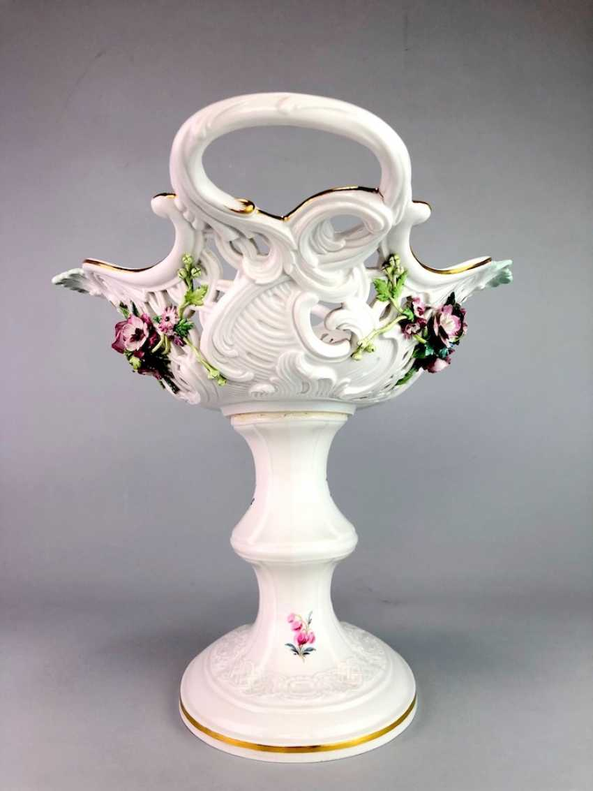 The Magnificent Centrepiece: Meissen Porcelain. Flower decorated, and J. J. Kändler. 1860, very nice. - photo 7