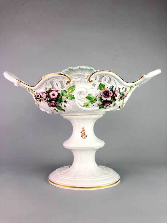 The Magnificent Centrepiece: Meissen Porcelain. Flower decorated, and J. J. Kändler. 1860, very nice. - photo 8
