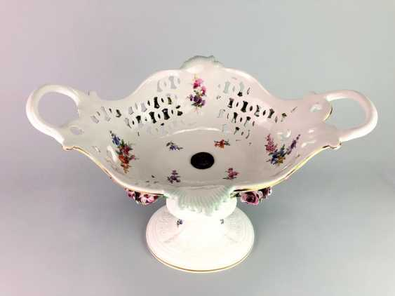 The Magnificent Centrepiece: Meissen Porcelain. Flower decorated, and J. J. Kändler. 1860, very nice. - photo 9
