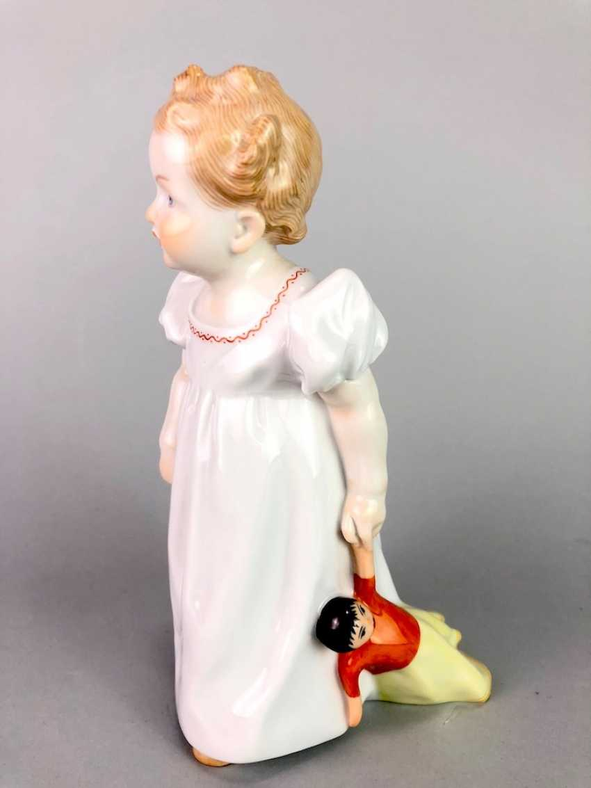 "Porcelain figurine: Hentschel child - ""child with doll"". Meissen Porcelain, 1. Choice, very well. - photo 1"