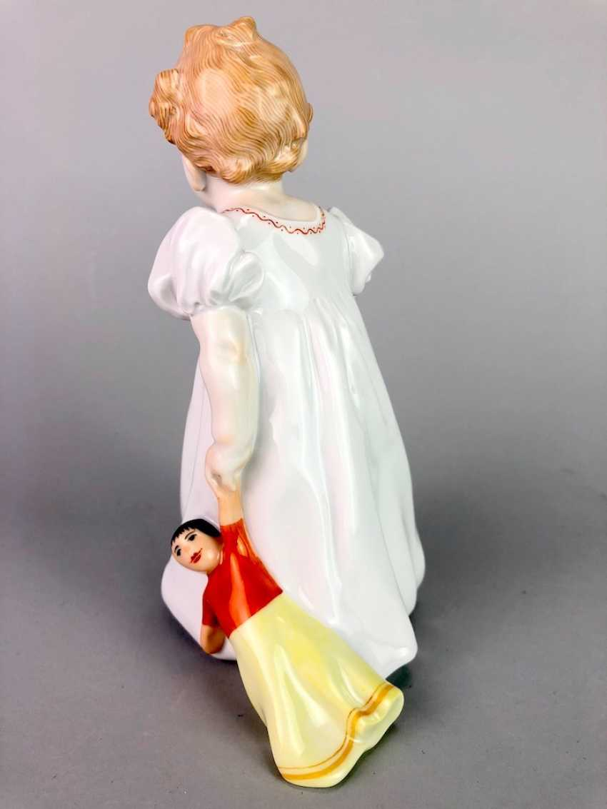 "Porcelain figurine: Hentschel child - ""child with doll"". Meissen Porcelain, 1. Choice, very well. - photo 2"