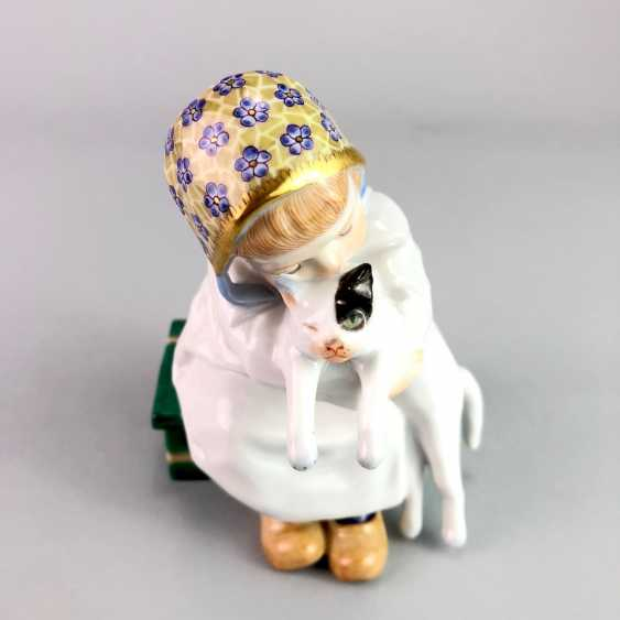 """Porcelain figurine: Hentschel child - """"child with cat in Arm"""". Meissen Porcelain, 1. Choice, very well. - photo 2"""