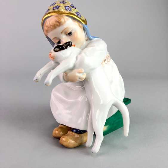"""Porcelain figurine: Hentschel child - """"child with cat in Arm"""". Meissen Porcelain, 1. Choice, very well. - photo 3"""