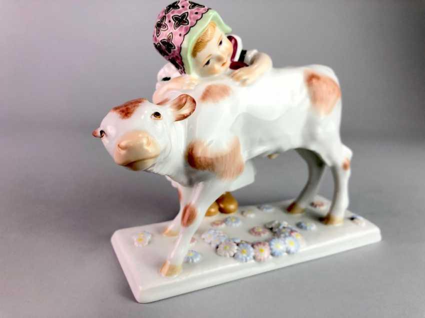 "Porcelain figurine: ""girl with calf"". Max Bochmann. Meissen Porcelain, 1. Choice, very well. - photo 2"