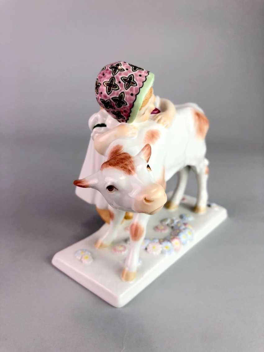 "Porcelain figurine: ""girl with calf"". Max Bochmann. Meissen Porcelain, 1. Choice, very well. - photo 3"