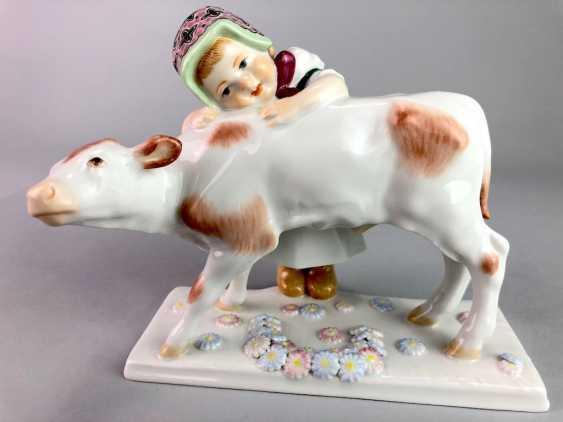 "Porcelain figurine: ""girl with calf"". Max Bochmann. Meissen Porcelain, 1. Choice, very well. - photo 5"
