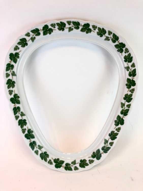 Rare Porcelain-Frame: Mirror Frame / Picture Frame, Porcelain, Decorative Vine Leaves. Hutschenreutehr. Very good. - photo 1