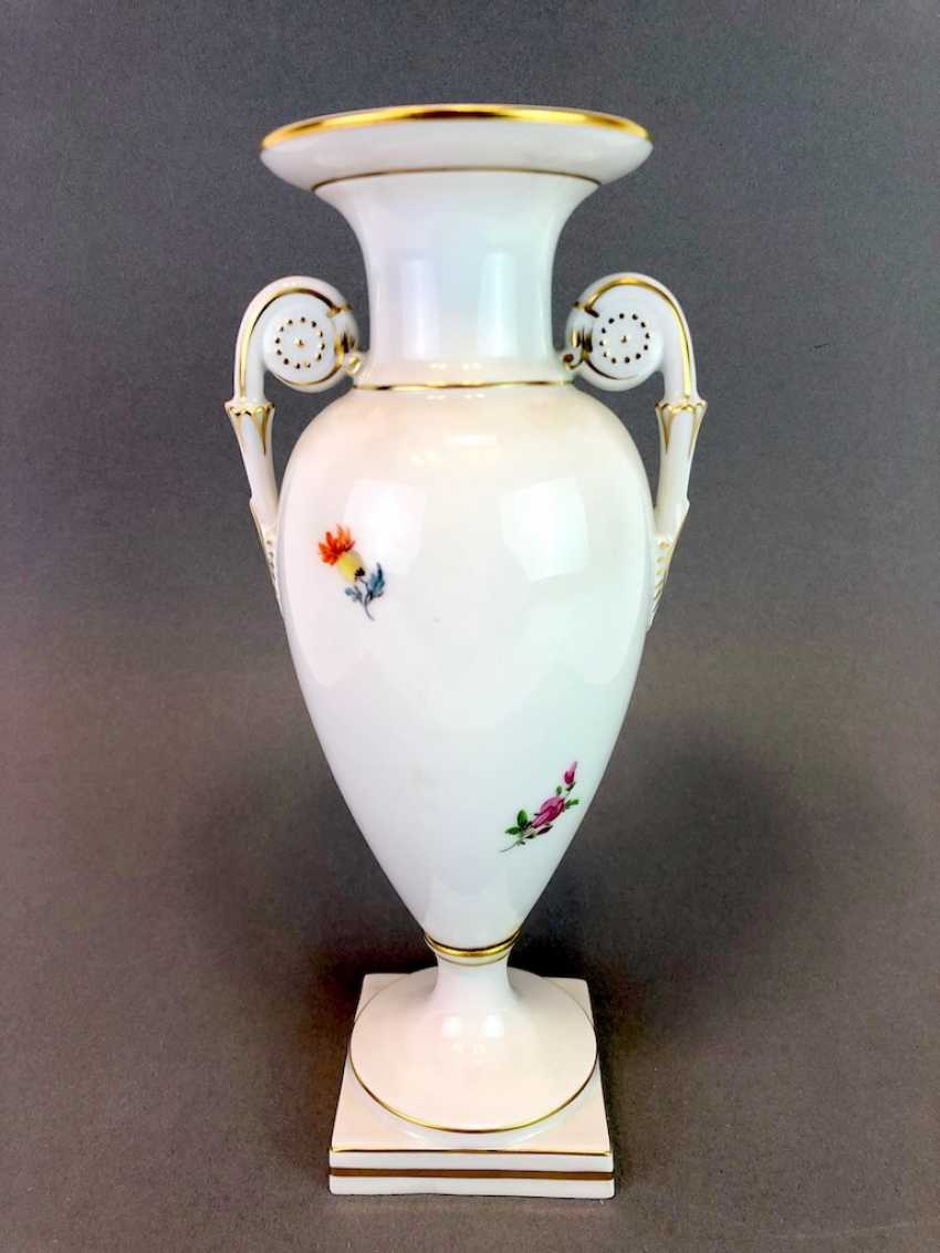 Amphora vase: Meissen porcelain, decorative flower 2, Gold equipped, very well. - photo 4