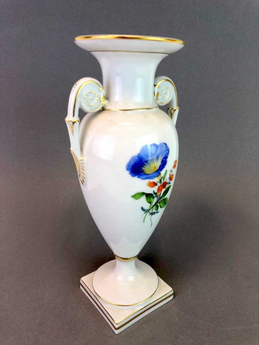Amphora vase: Meissen porcelain, decorative flower 2, Gold equipped, very well. - photo 5