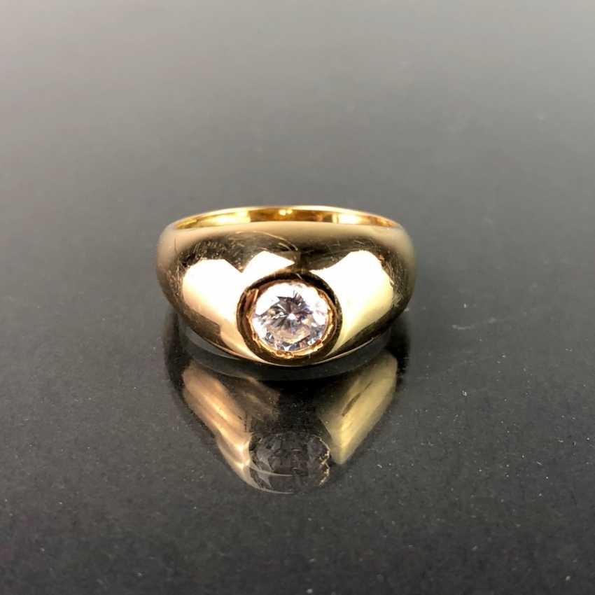 Opulent Ring with a large stone. Yellow gold 585. - photo 1