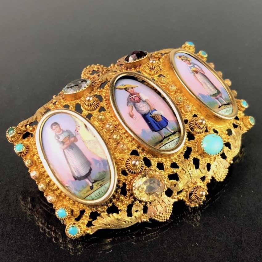 Unique Brooch: Yellow Gold 750. Porcelain Miniatures with Swiss Costumes. Estate of Konstantin von Tischendorf. - photo 2